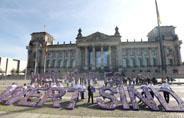 Diakonie übergibt tausende Unterschriften und fordert Politik zum Handeln auf