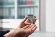 Einfach, zuverlässig und präzise: Das neue CONTOUR® XT Blutzuckermessgerät und die neuen CONTOUR® NEXT Sensoren