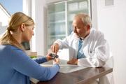 Neue Bayer Generation der Blutzuckermessgeräte: Präzises Diabetes-Management mit dem CONTOUR® NEXT USB System