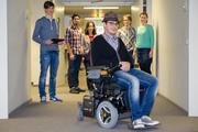 Sensorsystem: Rollstuhl über Kopfbewegungen steuern
