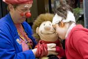 """Dachverband Clowns in Medizin und Pflege Deutschland e.V. fordert, weniger über Grusel-Clowns zu berichten und die Titulierung in """"Grinsefratze"""" zu ändern: Grinsefratze statt Gruselclown"""