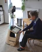 Senioren dabei unterstützen, länger selbstständig in der eigenen Wohnung zu leben: Ein Roboter als Mitbewohner